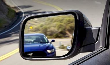 Hệ thống Cảnh báo điểm mù & Hệ thống Cảnh báo có Xe cắt ngang**
