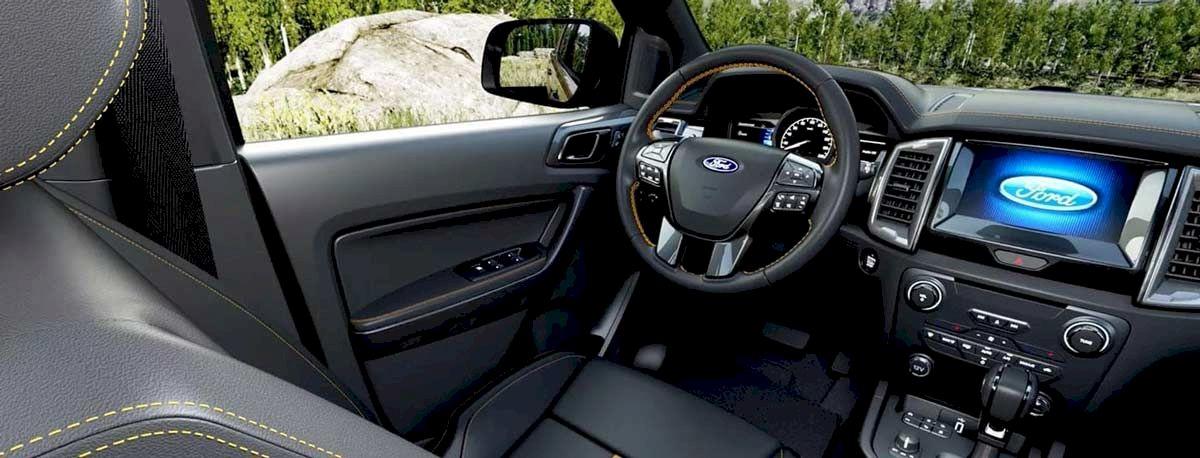 Thư giãn trong khoang xe rộng rãi của Ford Ranger