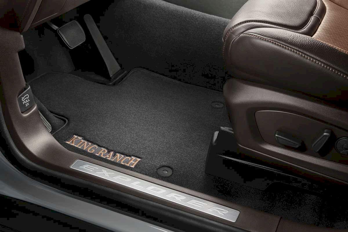 Ford Explorer ghế chỉnh điện 10 hướng