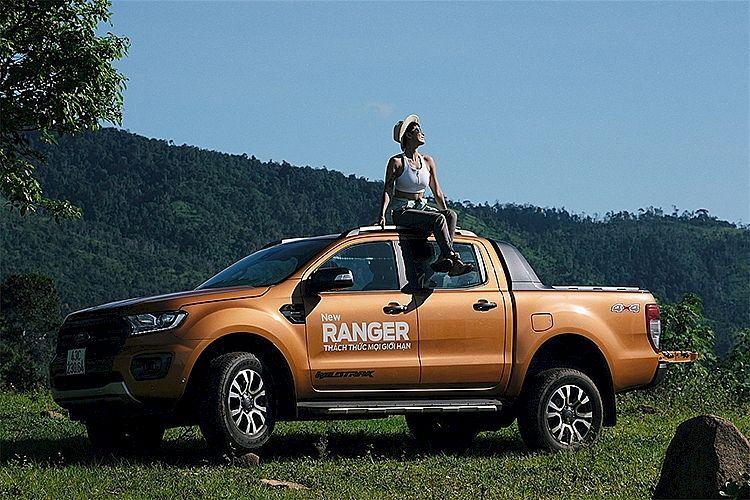 Phụ nữ hiện đại cùng Ford Ranger