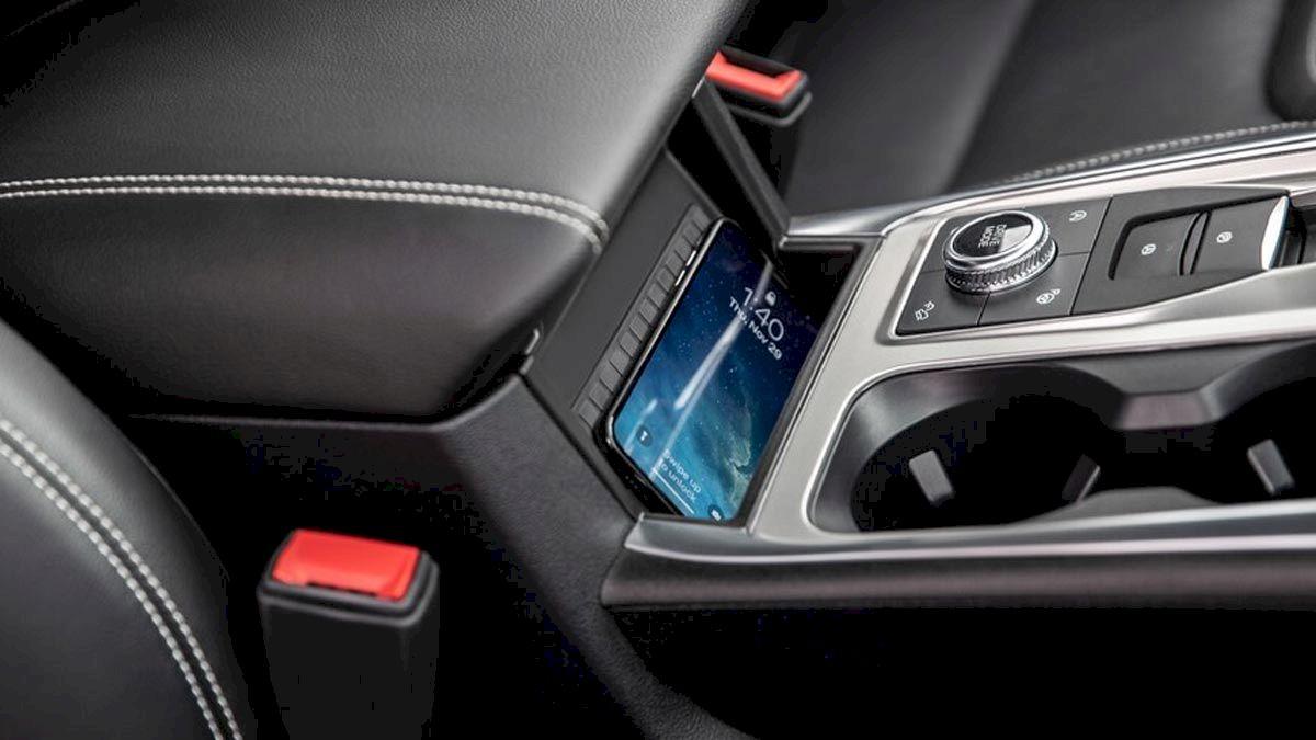 Ford Explorer 2021 Sạc điện thoại không dây