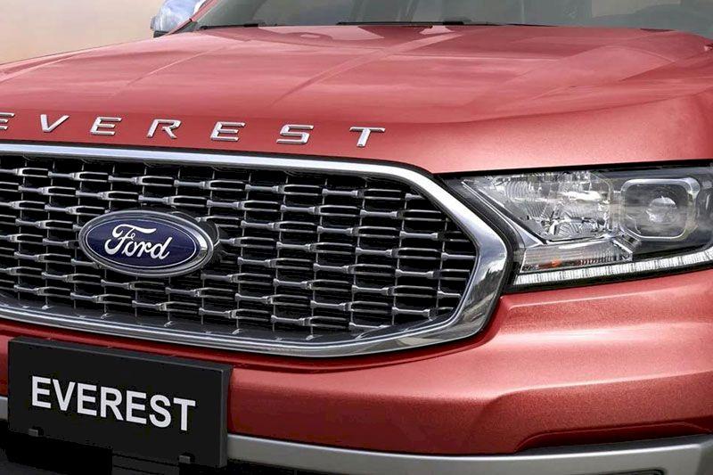 Ford Everest 2021 cụp đèn phía trước